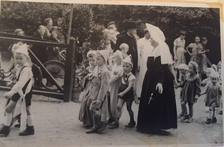 Kindergarten-Schützenfest in den 50gern.